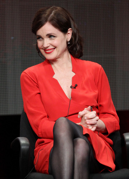 More Pics of Elizabeth McGovern Short Curls (1 of 17) - Short Hairstyles Lookbook - StyleBistro