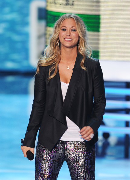 More Pics of Kaley Cuoco Cuff Bracelet (1 of 33) - Kaley Cuoco Lookbook - StyleBistro