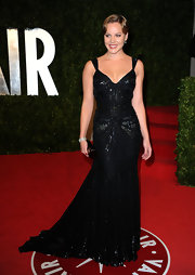 Abbie Cornish attended the 'Vanity Fair' Oscar party wearing a diamond bracelet paired with her floor-length sequined gown.