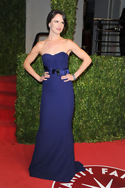 Juliette honed in on her elegant side with a strapless navy evening gown at the Vanity Fair Oscar party.