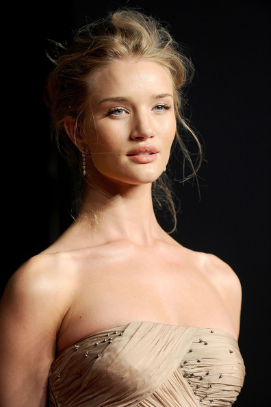 Rosie+Huntington-Whiteley in 2011 Vanity Fair Oscar Party Hosted By Graydon Carter - Arrivals
