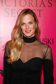 Shannan Click wore her lovely locks flowing over her shoulders at the 2011 Victoria's Secret Fashion Show after party.