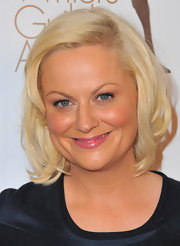 Amy Poehler was all smiles at the 2011 Writers Guild Awards. Her short blond bob made her skin glow.