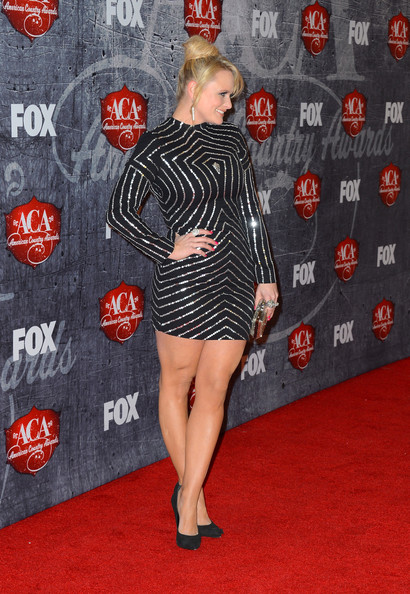 More Pics of Miranda Lambert Classic Bun (1 of 24) - Miranda Lambert Lookbook - StyleBistro