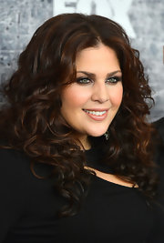 Hillary Scott wore her brunette locks down in thick, natural curls for the 2012 American Country Awards.