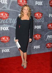 LeAnn Rimes kept it simple at the American Country Awards in this classic black long-sleeve dress.