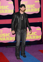 Brantley Gilbert's washed-out black jeans were as stylish as they were edgy.