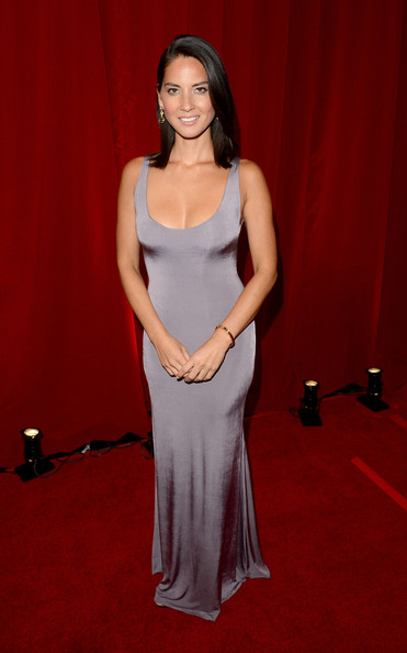 More Pics of Olivia Munn Evening Dress (1 of 5) - Olivia Munn Lookbook - StyleBistro