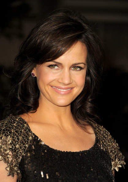 More Pics of Carla Gugino Medium Wavy Cut with Bangs (1 of 8) - Medium Wavy Cut with Bangs Lookbook - StyleBistro