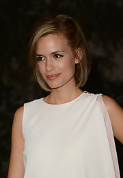 How pretty is Torrey Devitto's pinned-back short 'do?