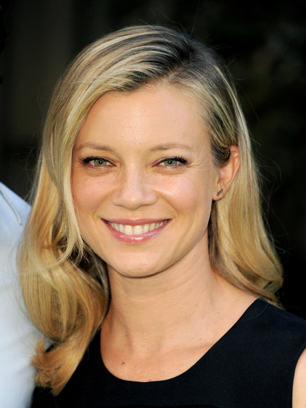 More Pics of Amy Smart Medium Wavy Cut (1 of 16) - Medium Wavy Cut Lookbook - StyleBistro