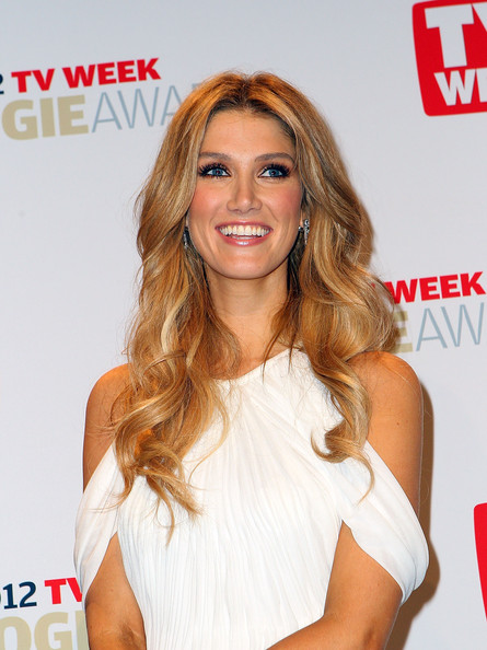 Delta Goodrem was a stunner at the 2012 Logie Awards with this long wavy 'do.