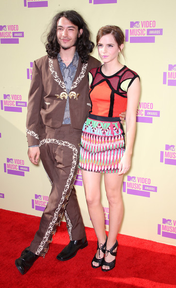 More Pics of Ezra Miller Men's Suit (2 of 5) - Ezra Miller Lookbook - StyleBistro [clothing,red carpet,carpet,fashion,flooring,leg,premiere,fashion model,footwear,thigh,arrivals,ezra miller,emma watson,2012 mtv video music awards,los angeles,california,staples center,l]