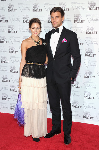 Johannes Huebl looked snazzy as ever in this classic tuxedo featuring a pink pocket square.