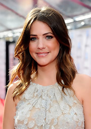 Julie Gonzalo wore her shiny tresses in messy loose waves for the opening night premiere of the 40th anniversary restoration of 'Cabaret'