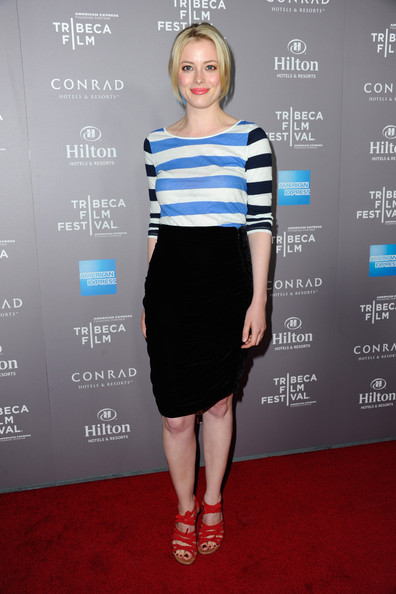 More Pics of Gillian Jacobs Bright Lipstick (1 of 8) - Gillian Jacobs Lookbook - StyleBistro