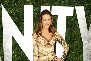 Kate Beckinsale's Sexy Cutout Gown at the 2012 Oscars Party