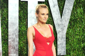 Diane Kruger Is Super-Sexy in Red at the Oscars Party 2012