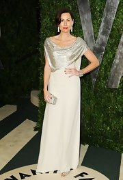 Minnie Driver attended the 2012 'Vanity Fair' Oscar Party wearing an 18-carat white gold and rose cut diamond bracelet with pearl strands.