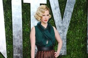 Actress January Jones arrives at the 2012 Vanity Fair Oscar Party hosted by Graydon Carter at Sunset Tower on February 26, 2012 in West Hollywood, California.