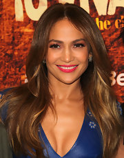 Jennifer Lopez wore a pair of earrings in 18-carat noble gold with diamonds during the 2012 Winter TCA Tour.