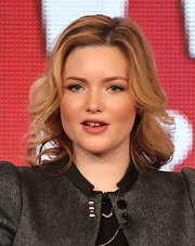 Holliday Grainger looked fresh with her locks loosely curled for the 2012 Winter TCA Tour.