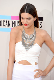 Kendall Jenner dressed up her outfit with a crystal collar necklace by Dylanex for a flawless finish at the American Music Awards.