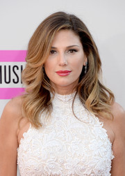 Daisy Fuentes looked so lovely wearing her hair in feathered waves at the American Music Awards.