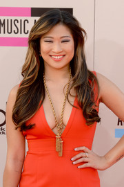 Jenna Ushkowitz wore her hair in flowing waves when she attended the American Music Awards.