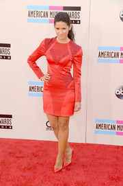 Rocsi Diaz went for an ultra-modern feel with this multitextured red cocktail dress during the American Music Awards.