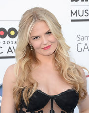 Jennifer Morrison chose a bright pink lip color to add a soft touch to her all-black clothing look.