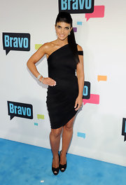 Teresa Giudice chose this one-shoulder LBD with a ruched skirt for her sexy red carpet look.