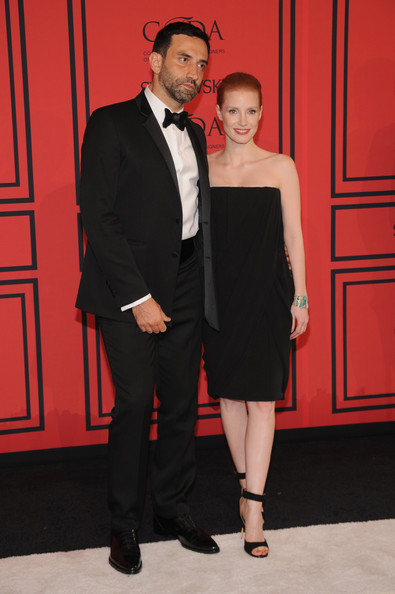 More Pics of Jessica Chastain Little Black Dress (1 of 20) - Jessica Chastain Lookbook - StyleBistro
