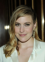 Greta Gerwig's deep side party showed off her blonde locks.