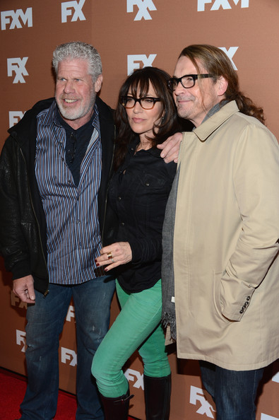 More Pics of Katey Sagal Knee High Boots (1 of 10) - Katey Sagal Lookbook - StyleBistro