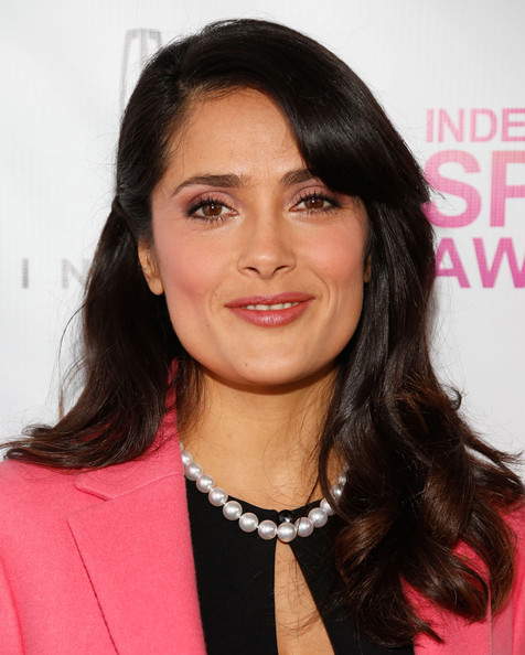 More Pics of Salma Hayek Cultured Pearls (1 of 9) - Salma Hayek Lookbook - StyleBistro