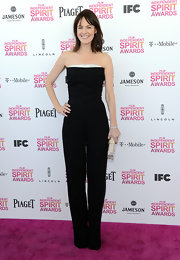 Rosemarie Dewitt looked long and lean at the Independent Spirit Awards in a black strapless jumpsuit.