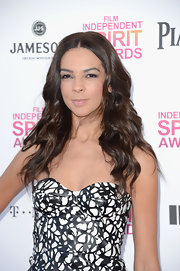 Terri Seymour's long, loose waves were both glamorous and casual on the pink carpet of the Independent Spirit Awards.