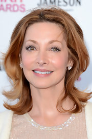Sharon Lawrence's shoulder-length cut had some bounce to it at the Independent Spirit Awards where she rocked flipped out layers.
