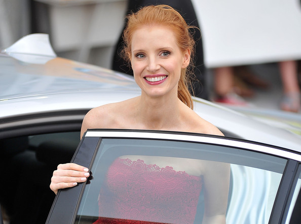 More Pics of Jessica Chastain Pink Lipstick (1 of 34) - Pink Lipstick Lookbook - StyleBistro