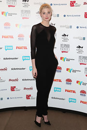 Elizabeth Debicki's sleek jumpsuit had a futuristic touch to it that we just loved.