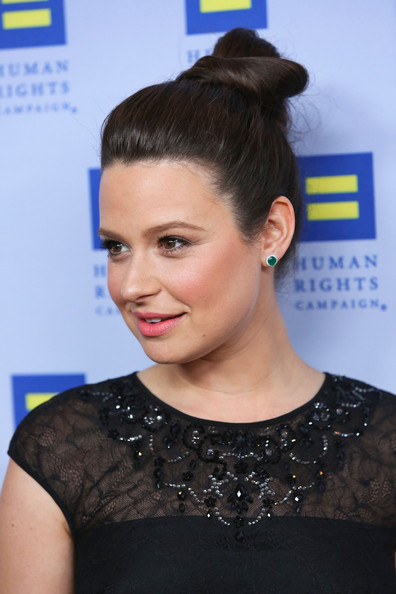 More Pics of Katie Lowes Twisted Bun (5 of 11) - Katie Lowes Lookbook - StyleBistro
