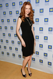Darby Stanchfield chose a basic LBD for her sleek look at the Human Rights Campaign Gala.