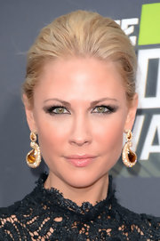 Desi Lydic looked sleek and mature with a pulled back bobby pinned 'do.