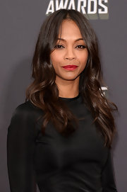 Zoe Saldana rocked a lovely wavy 'do at the MTV Movie Awards.