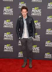 Eddie Redmayne chose a fitted leather jacket with silver rivet and zipper detailing for his look at the 2013 MTV Movie Awards.