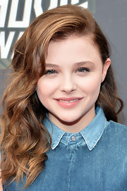 Chloe Moretz's long curls looked youthful and fun at the 2013 MTV Movie Awards.