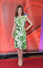 Betsy Brandt chose a classically preppy green floral dress for her look at NBC's Upfront event in NYC.