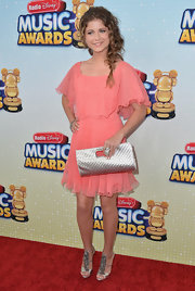 Sofia Reyes chose this flowing pink frock for a lovely ethereal look on the red carpet.