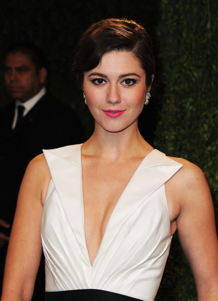 More Pics of Mary Elizabeth Winstead Evening Dress (1 of 6) - Mary Elizabeth Winstead Lookbook - StyleBistro